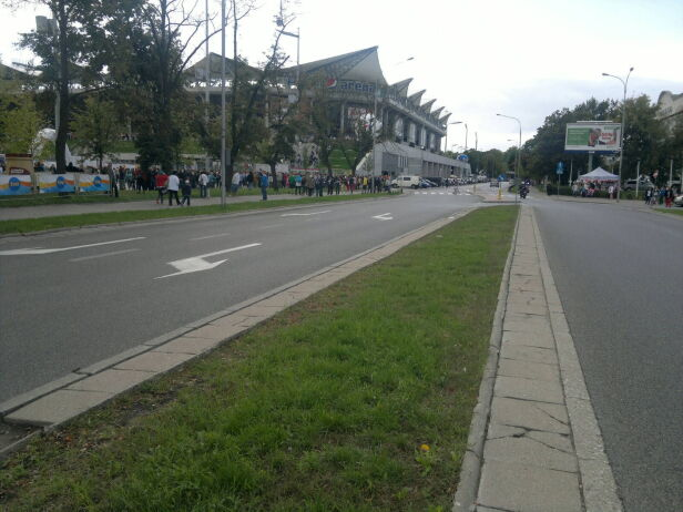 W okolicach stadionu można spodziewać się utrudnień  Dawid Krzysztofiński / tvnwarszawa.pl