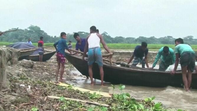 Rośnie bilans ofiar cyklonu Bulbul. Trwają poszukiwania rybaków