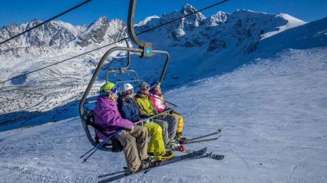 Pomysł na majówkę: z nartami na Kasprowy